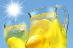 PHOTO Iced-cold-lemonade-the-ultimate-thirst-quencher
